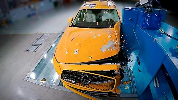 27809 2021 Volvo S90 / V90   Crash Test   The Safest Car on the Market