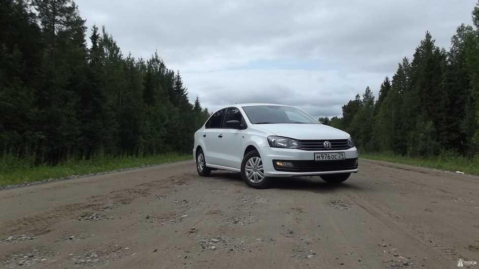 Тест-драйв прокатного Volkswagen Polo: грозовой фон