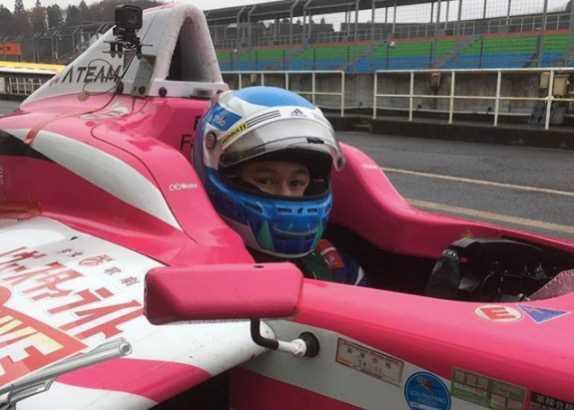 Макс Сало за рулём машины японской Формулы 4