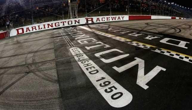 NASCAR: Сезон возобновится 17 мая