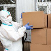 31327 Фургон MAN доставил гигиенические наборы в московские больницы
