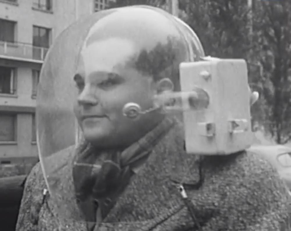 31087 Мотошлем-скафандр: гениальное изобретение или чудовищная глупость?