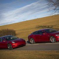 Tesla Model 3 vs Tesla Model S P85D. 1000-сильный экспресс в будущее. Tesla Model 3