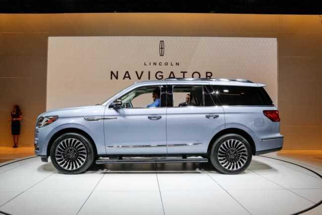 32034 Lincoln Navigator - автомобильная роскошь по-американски. Lincoln Navigator