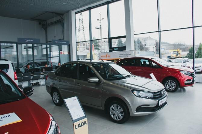 32776 Мишустин распорядился давать россиянам до 25% скидки на покупку новых автомобилей