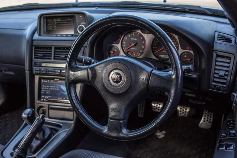 33468 Правый руль в России: его запретили или нет?