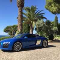Болид гражданской наружности: Audi R8. Audi R8 Coupe