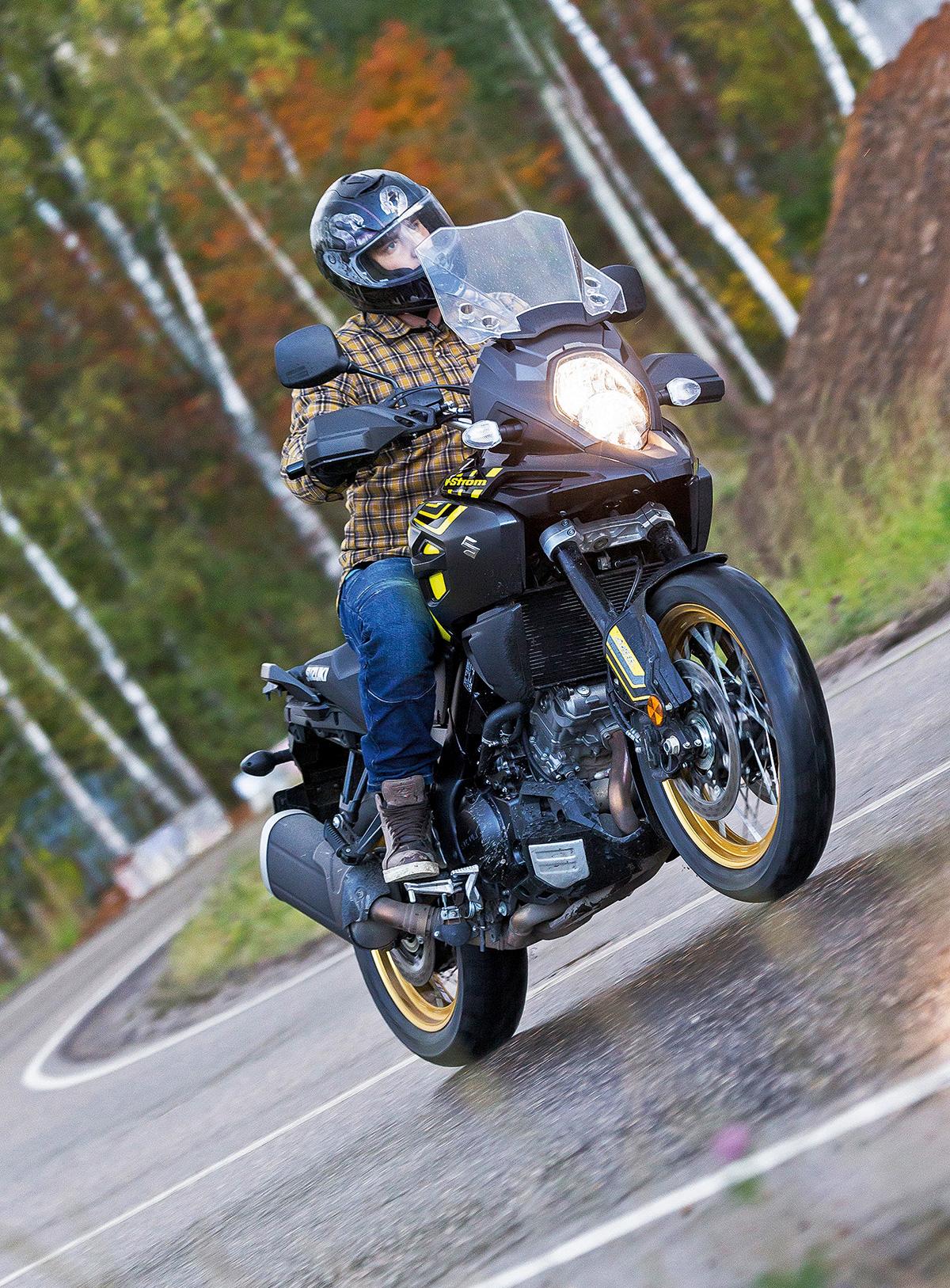 33603 Тест Suzuki V-Strom 1000 XT: когда хочется чего-то универсального