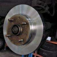 33625 Тормозные диски: протачивать или менять?