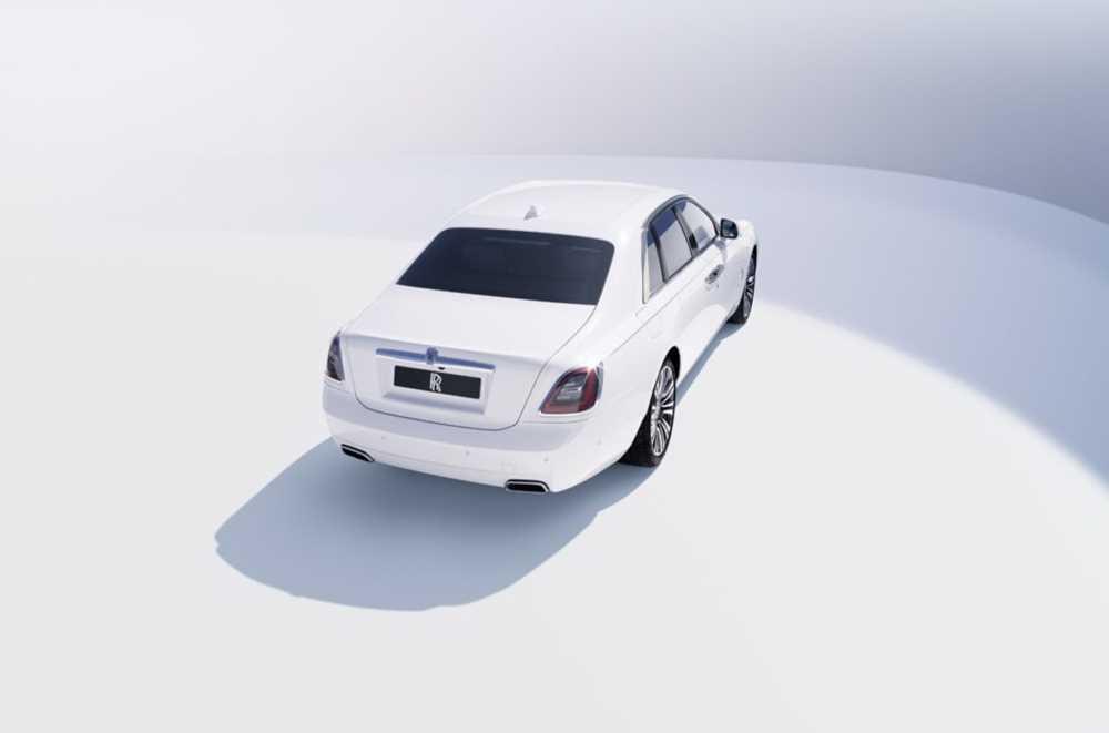 33970 Rolls-Royce представил самую технологичную модель
