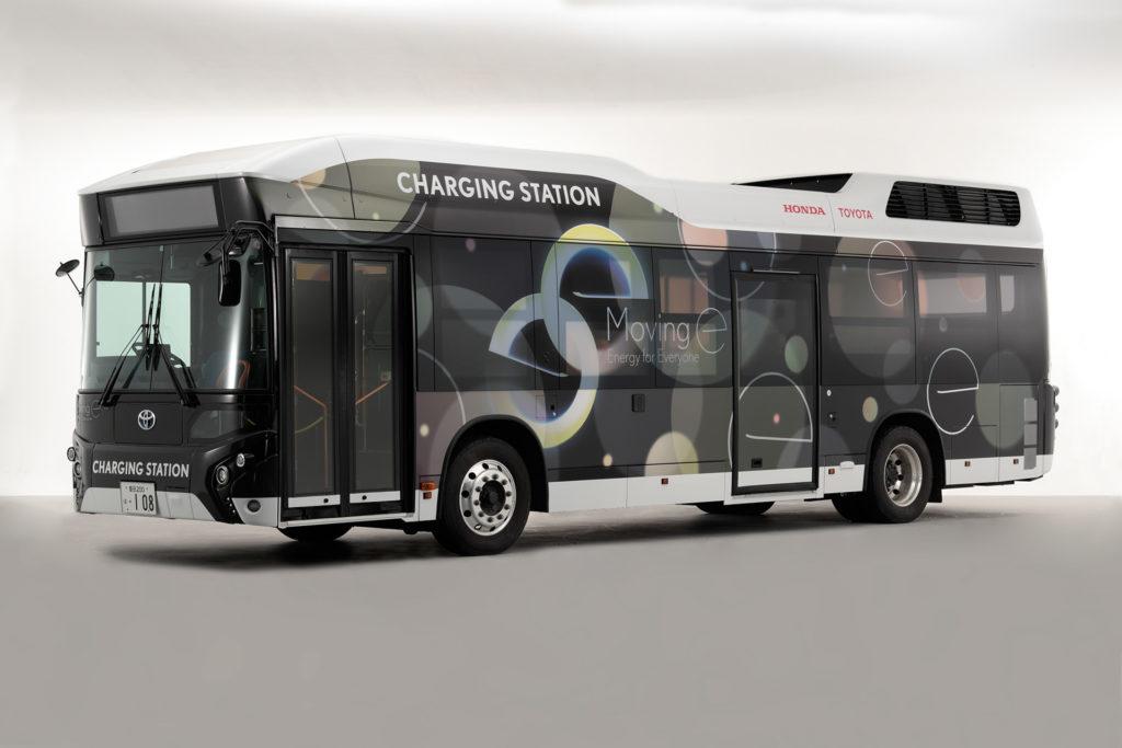 Японцы сделали огромный передвижной аккумулятор на базе автобуса