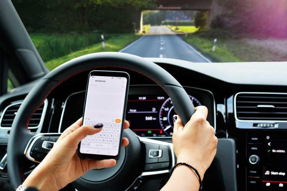 Эксперты выяснили, как влияет смартфон на реакцию водителя