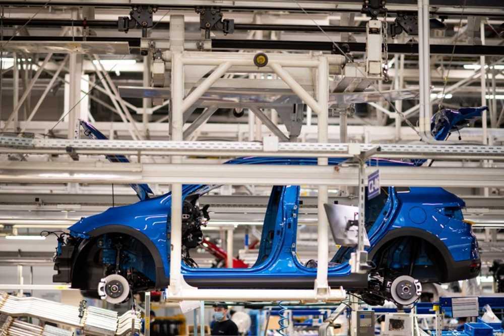 Кросс-хэтчбек Kia Rio X встал на конвейер в Санкт-Петербурге