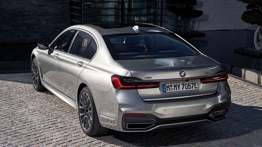 BMW раскрыл характеристики электрической версии 7-Series