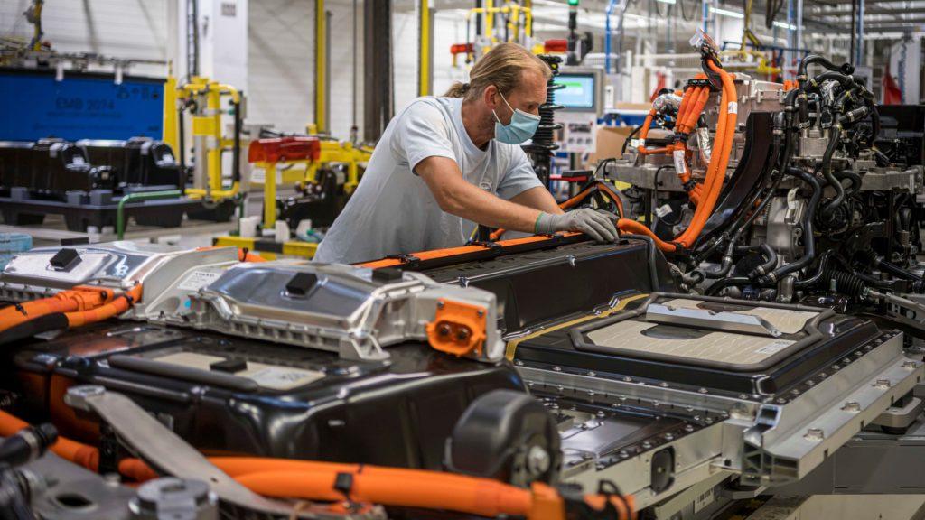 Volvo в разы увеличит производство «электричек»