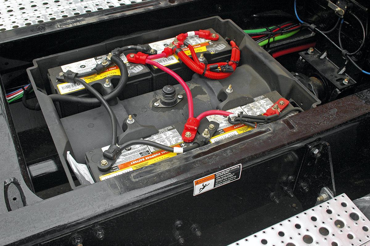 Аккумулятор для грузовика. Дорогие батареи против бюджетных: в чем разница?