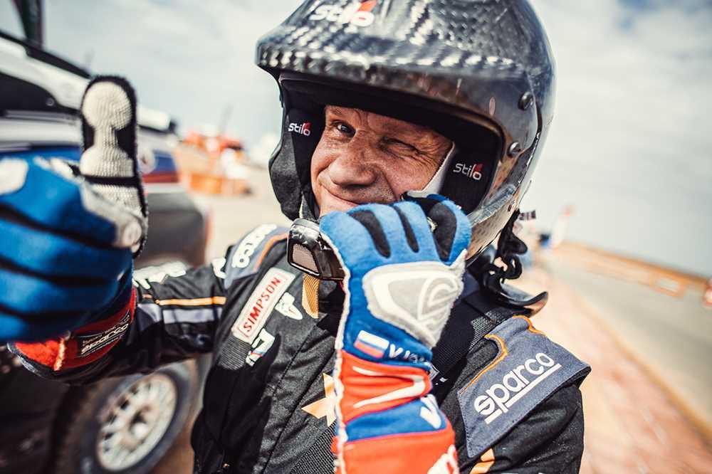 Русские на «Дакаре»: как сжечь автомобиль на тренировке, пробить 17 колёс в гонке, но дойти до финиша