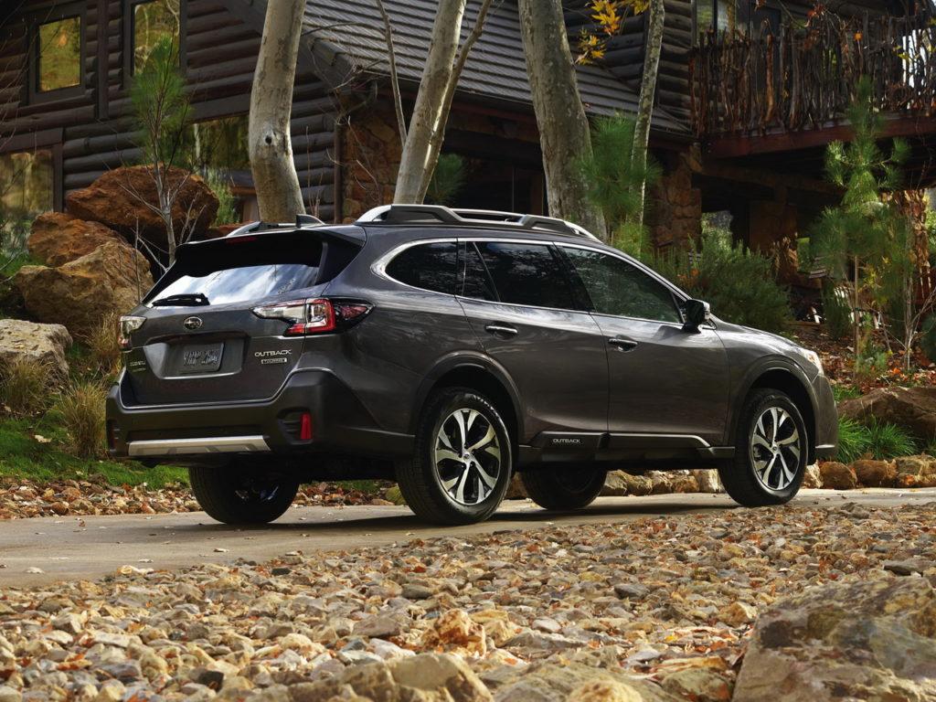 Раскрыта моторная гамма нового Subaru Outback для России