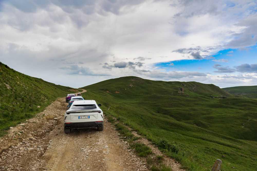Проехал на Lamborghini Urus по Карачаево-Черкесии: машину было жалко, но она смогла